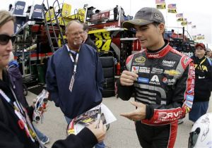 Gordon covets elusive 5th title as Chase begins