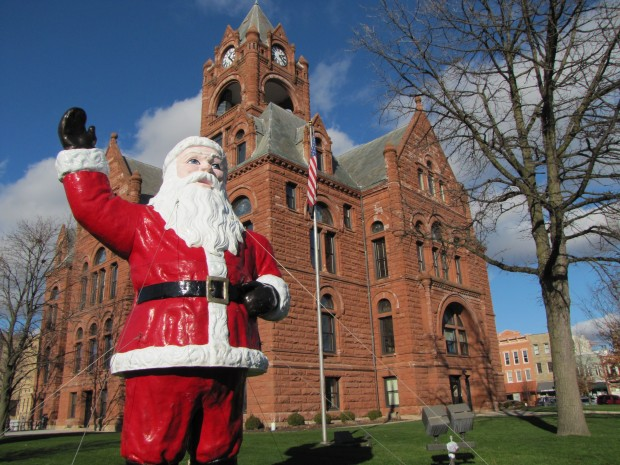 Historic santa statue back on laporte county courthouse for Laporte courthouse