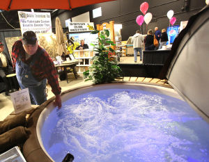 Vendors, visitors thinking spring at annual lifestyle show