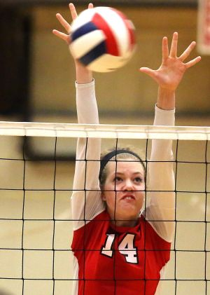 Munster volleyball player Chronowski picks Michigan State
