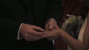 VIDEO: Couples wed at Albert's Jewelers