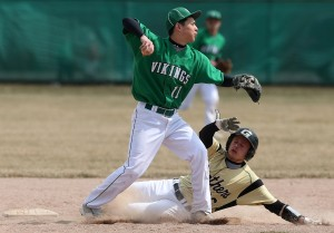 Valparaiso's Bales blanks Griffith baseball team