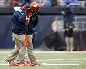QB woes could swing Illinois-Wisconsin game