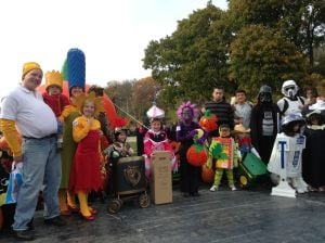 OFFBEAT with PHIL POTEMPA: Creative display for 2014 Brookfield Zoo costume contest