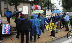 Teachers union puts pressure on D206 board to give them a 'fair' contract