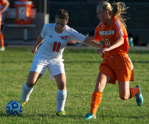 Andrean advances in dramatic fashion at Class A sectional