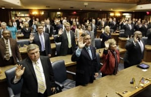 2 Lake County Republicans take oath at Statehouse
