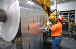 Steelmakers fighting to keep dominant grip on automotive market