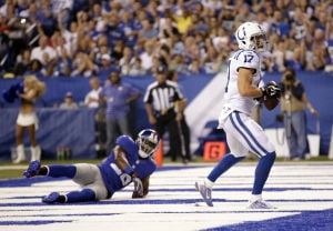 Giants rally late to edge the Colts