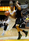 Valparaiso's Lavonte Dority drives the lane