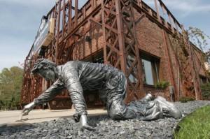 Life-size statue stolen from Valpo restaurant
