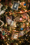 9 ways to personalize your Christmas tree
