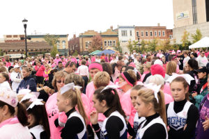 Cancer fight continues in streets of Valparaiso