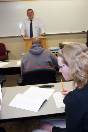 IU Northwest prepares MBA students to lead effectively