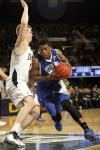 Abromaitis leads No. 9 Notre Dame past Seton Hall