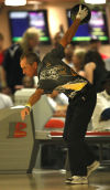 Pete Weber bowls in semifinals