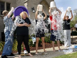 Lansing school takes the ice bucket challenge