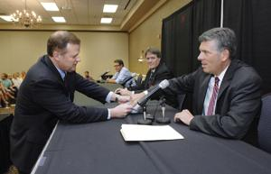 Photos: 18th Congressional Debate