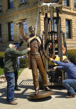 Photos: Lincoln in Logan