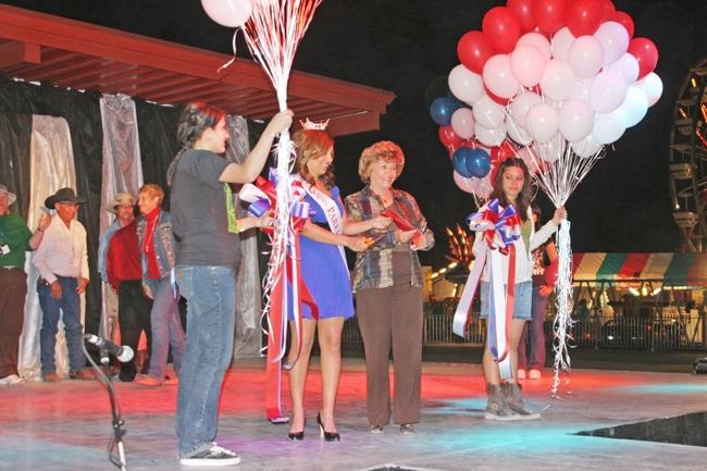 Paz County la Paz County Fair Opens