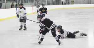 Montague Norsemen vs Northumberland Atom A hockey action