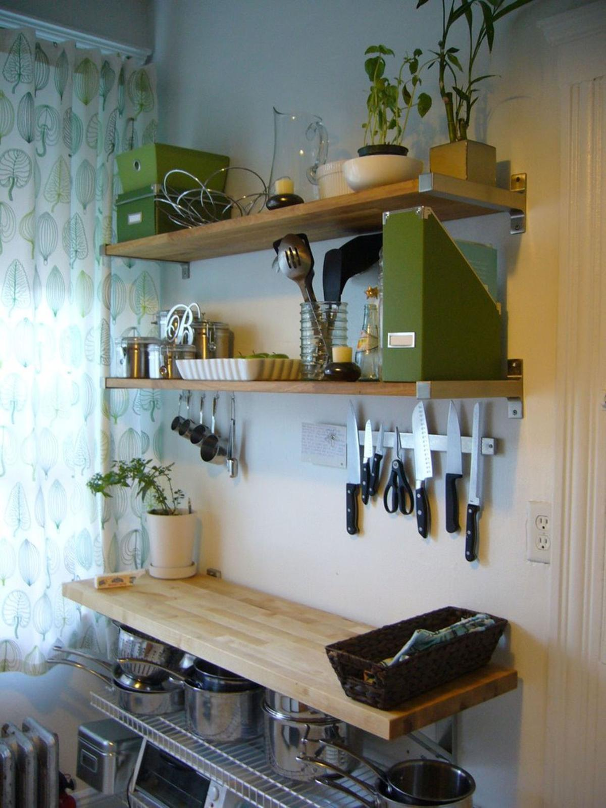 Small Kitchen Space How To Maximize Storage And Countertop Space In A Small Kitchen