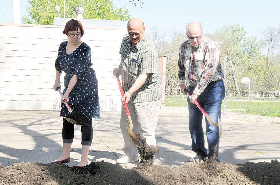 Construction Of New Prentis Park Pool Officially Begins Vermillion Plain Talk Local News