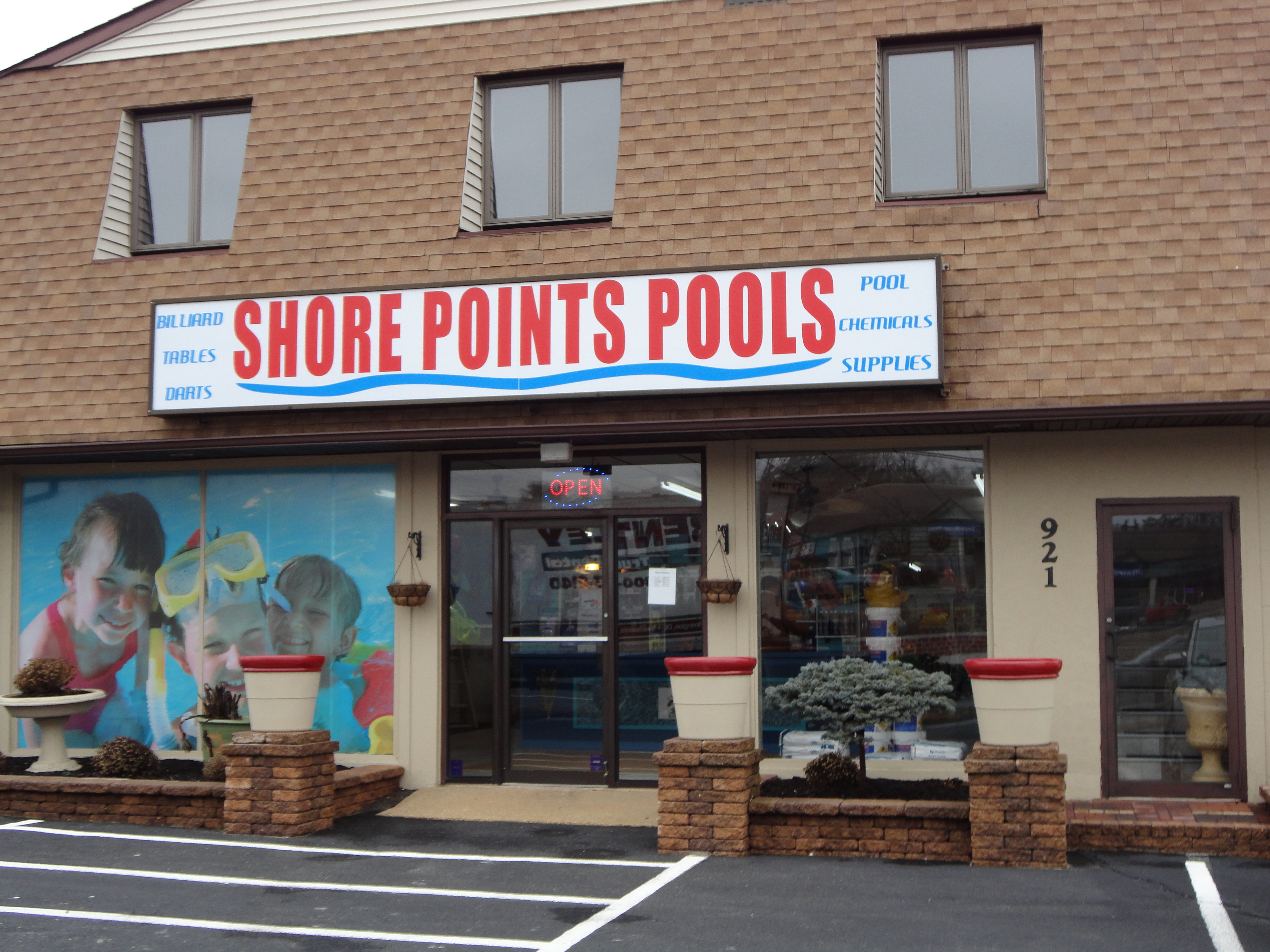 Shore Points Pool & Billiards