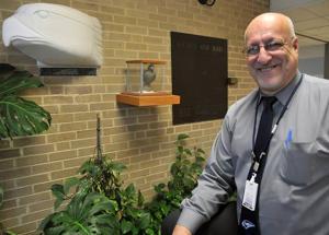 Oakcrest Principal Mongelluzzo to retire after 31 years at school