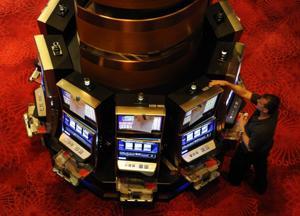 TR revel slots B103733105.jpg