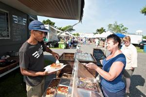 Tony's Farm Table draws crowds at Ocean City Farmers Market