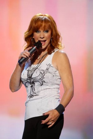 Reba McEntire injucted in Country Music Hall of Fame