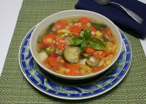 A nutritious veggie soup for summer