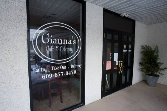 Gianna's Cafe continues tradition of excellence under new name
