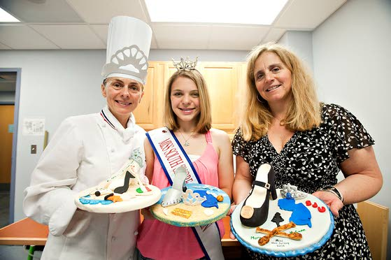 Miss N.J. contestants treated to cakes designed for them by ACA students