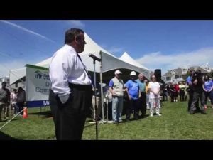Gov Christie Visits Rebuilding in Ventnor