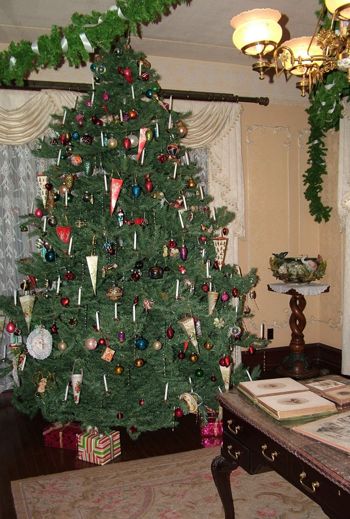 Christmas tree.jpg