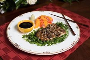 Sesame-crusted cod offers elegant, healthy dose of fish