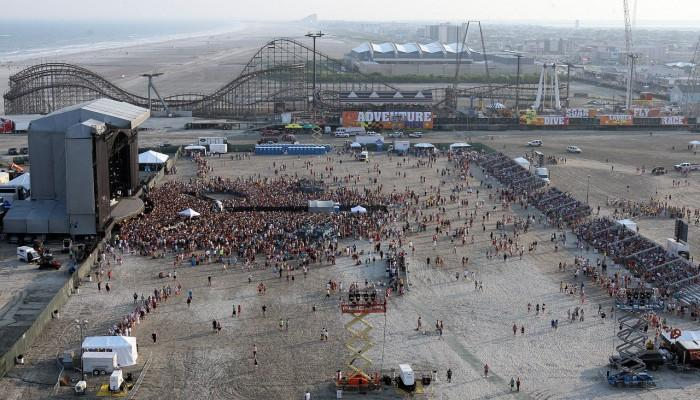 Kenny Chesney in Wildwood109169067.jpg