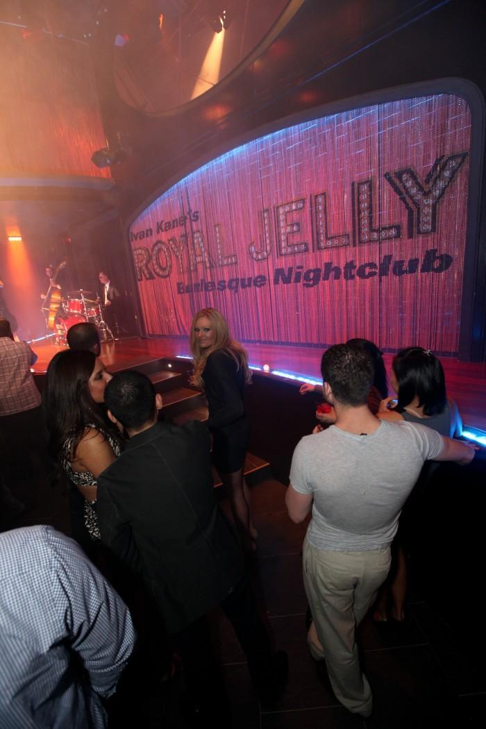 royal jelly-30.jpg