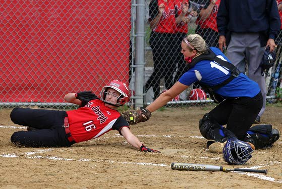 St. Joe prevails in tight rematch with Crusaders