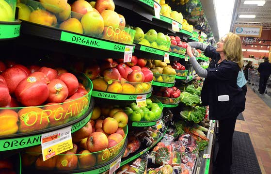 ShopRite operator cultivates its roots  in produce, service