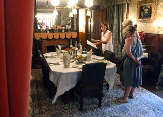 Physick Estate offers tours for donation of food item