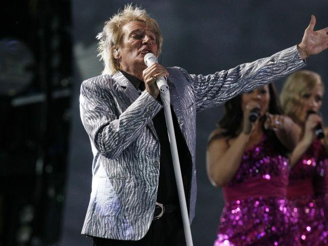 Rod Stewart makes Atlantic City stop on 'The Hits 2016' tour