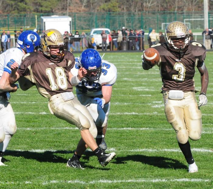 Oakcrest Absegami Football83877276.jpg