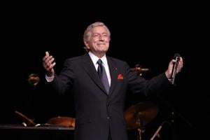 Tony Bennett croons back into town