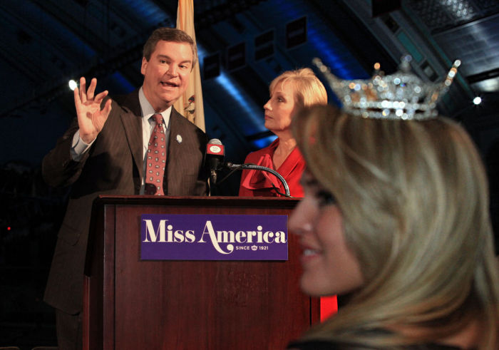 MISS AMERICA RETURNS