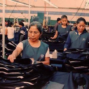Cotton T-shirts made i•China under environmental scrutiny