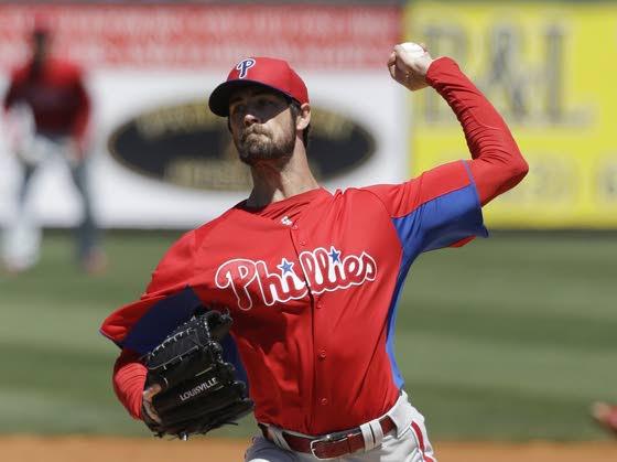 Hamels has look of Phils' new No. 1 pitcher