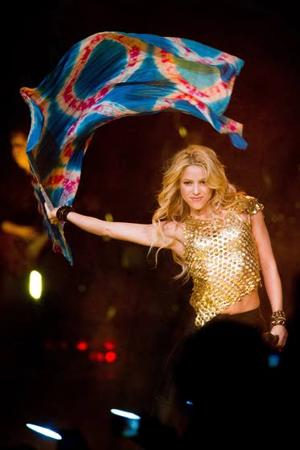 Music Review: Shakira strips ... down her sound to great effect on 'Sale El Sol'